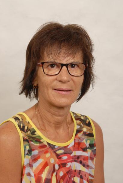 Claudia Hefti, Haushelferin