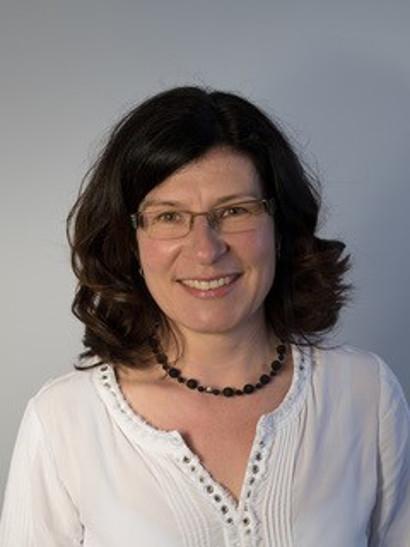 Esther Soliva, tgirunza diplomada