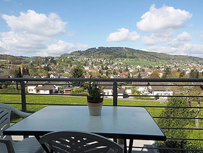 gemütlicher Balkon, mit Blick ins Wynental