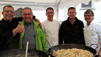 Spitex bei den Gilde-Köchen in Altstätten: zweiter von links: Nationalrat Thomas Ammann, vierter von links: Geschäftsleiter Diego Forrer