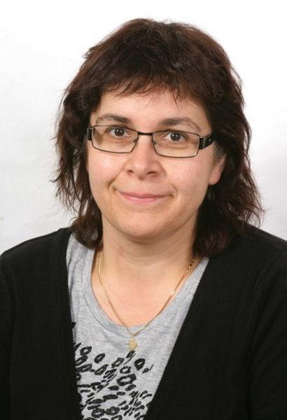 Isabella Albin, tgirunza diplomada